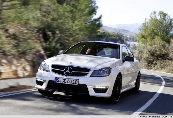 目前已知m-benz车厂对於c 63 amg coupe的报价约为7.3万高清图片