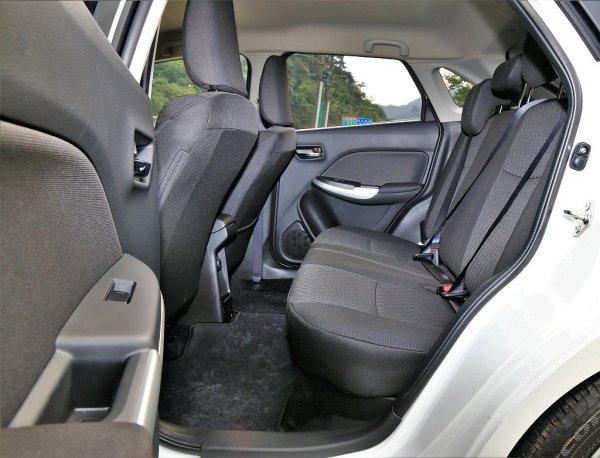 前座后座空间铹��_suzuki baleno的宽敞后座空间不但颠覆以往对小车的既有印象,甚至还可